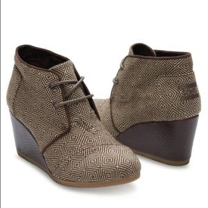 NEW TOMS Diamond Brown Desert Wedge Lace Shoes 7